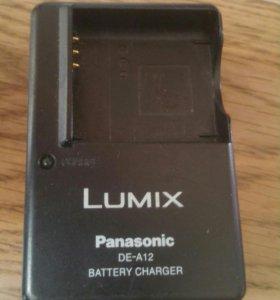 """Зарядное для аккумуляторов """"Panasonic Lumix"""" ."""