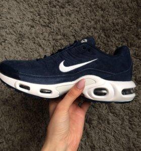 Кроссовки Nike AIR Tn