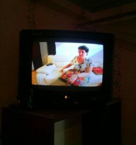 Телевизор L G цветной