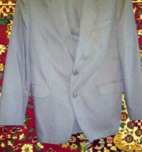 Мужской костюм и два пиджака