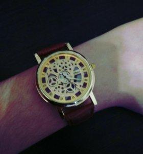 Новые часы. С прозрачным корпусом