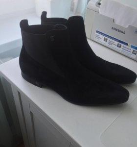 Мужские замшевые черные ботинки Roberto Botticelli