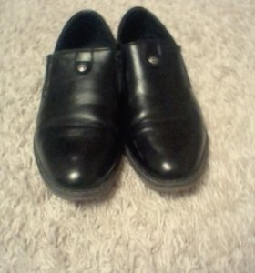 Продам мальчижевские туфли