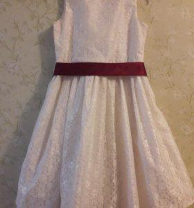 Платье для девочки. Срочно продаю. Возможен торг!
