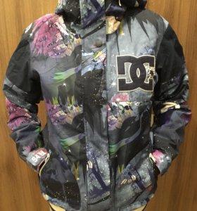 Куртка сноубордическая женская DC Новая
