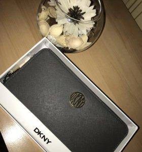 Кошелёк DKNY