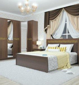 Кровать с матрасом и отделом для белья