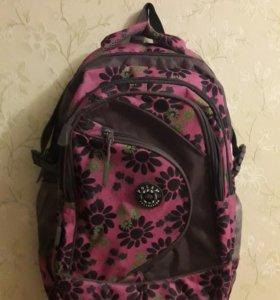 Рюкзак для школы и похода. Для девочки.