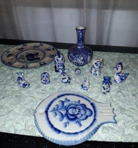 Фигурки и посуда Гжель