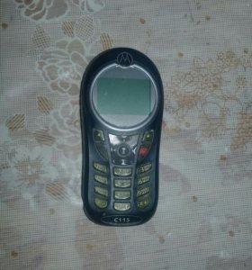 Продаю кнопачный телефон маторола с 115.