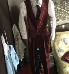 Детский костюм «тройка» для мальчиков 8-10 лет.