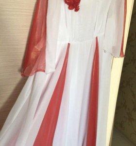 Нарядное платье на 52-56 р
