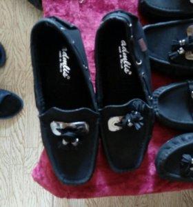 Туфли.цена за 3 пары 700р