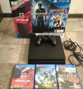 PlayStation 4 -1TB +3 диска