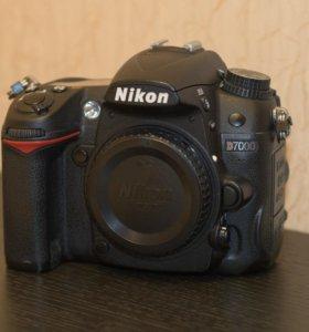 Зеркалка Nikon D7000