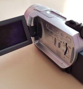 Продам видеокамеру sony DSR-SR200