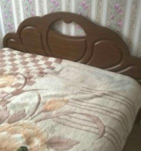 Кровать с матрасом на 140