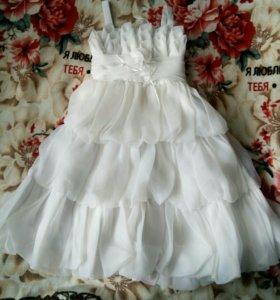 Нарядное платье на выпускной в детский сад