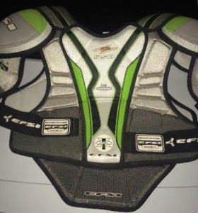 Продам Хоккейную экиперовку на взрослого XL