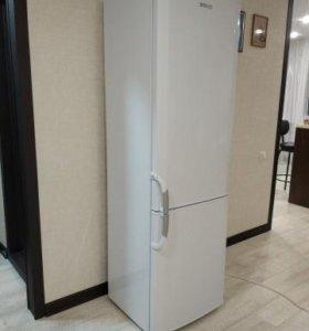 Двухкамерный холодильник Beko cnk4100