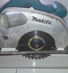 Makita 5604R