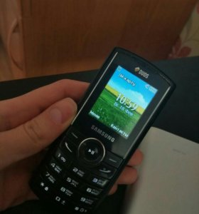 Телефон Samsung кнопочный