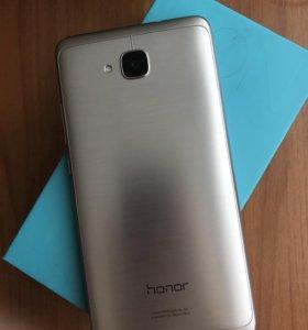 Смартфон Huawei Honor 5C 16 Gb Gold