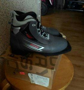 Лыжные ботинки (38)
