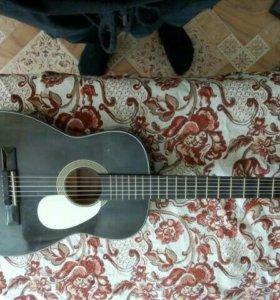 Гитара акустическая