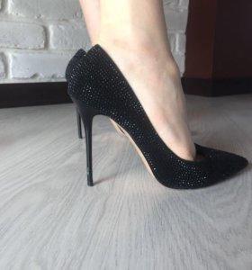 Туфли женские чёрные 37-38