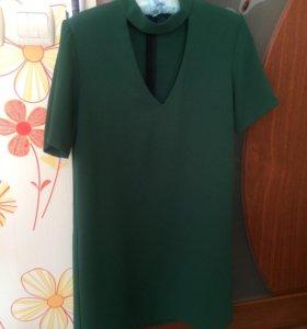 Платье красивого зеленого цвета