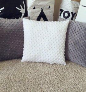 Декоративные подушки из плюша