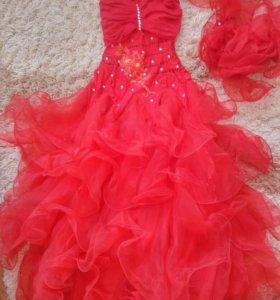 Бальное красное платье