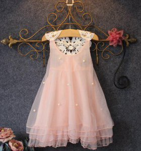 Платье шифоновое с бусинами.