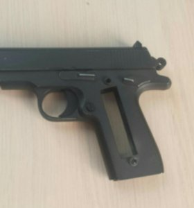 Пистолет немного сломан (железный