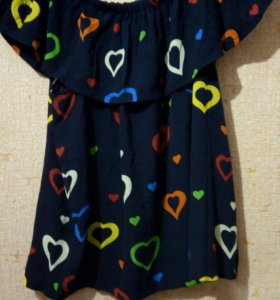 Новая блузка. Спускается на плечики. Размер s/m