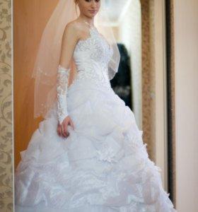 Свадебное платье, фата, туфли