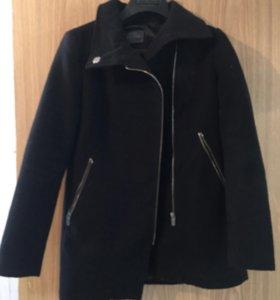Женское пальто Bershka