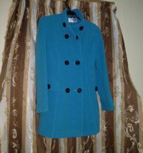 Голубое пальто б.у