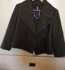 Куртка Motivi женская р-р 46