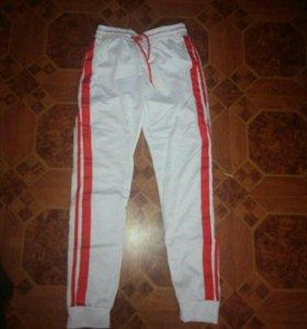 Спортивные штаны М , новые