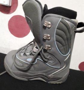 Ботинки сноуборд новые 35 размер