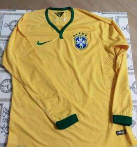 Футбольная форма Сб.Бразилии с длинными рукавами.