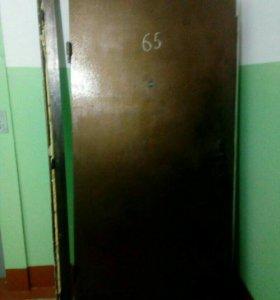 Дверь металлическая. Продается в связи с заменой.