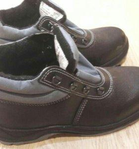 Ботинки с подноском новые Размеры 39,40,41,42