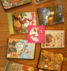 DVD с мультфильмами и играми для детей