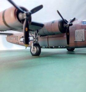 Модель бомбардировщика Б-24