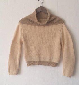 Новый шерстяной свитер р42-44