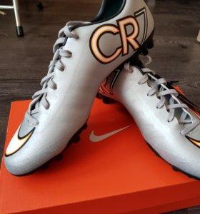Кроссовки новые футбол