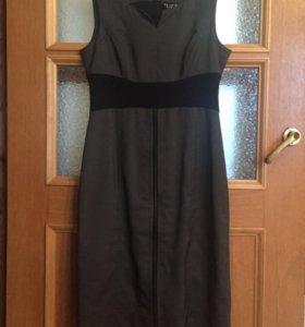 Платье-футляр TUZZI